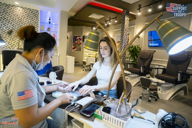 Nails Salon 78374